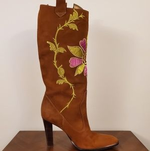 Vince Cumoto embroidered floral boots size 9